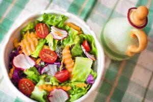 サラダ、食事